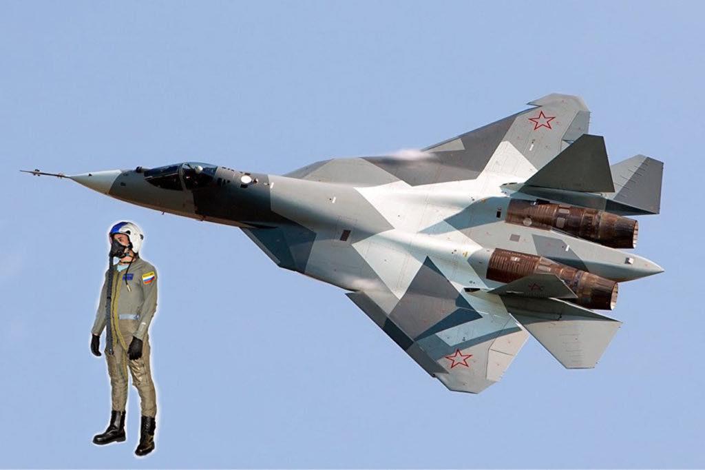 костюм пилотов Су-57