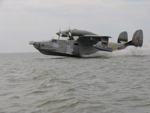 БЕ-12 в море