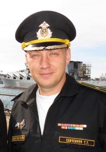 Савченков на фоне крейсера