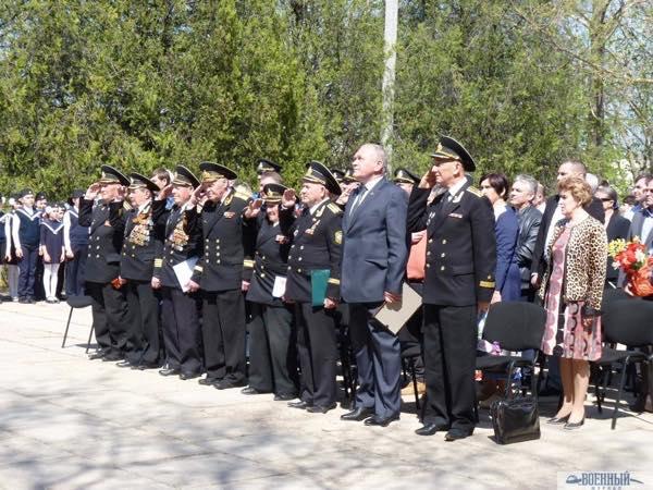 Ветераны и участники церемонии