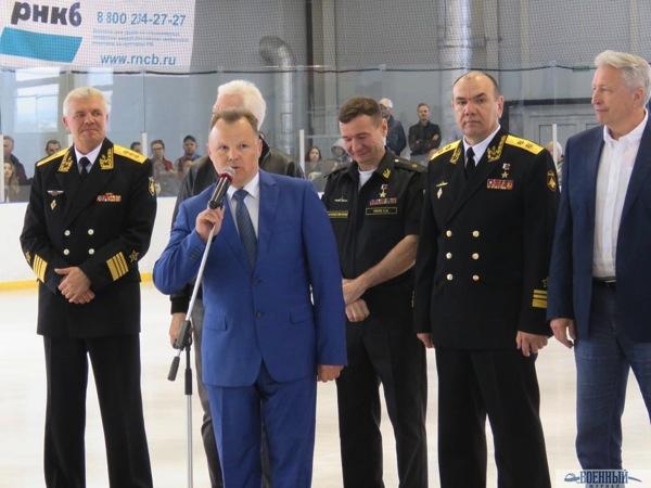Выступает Антоненков