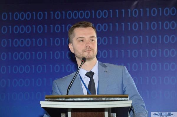 Заместитель директора ГУП СМЗ Георгий Иванов