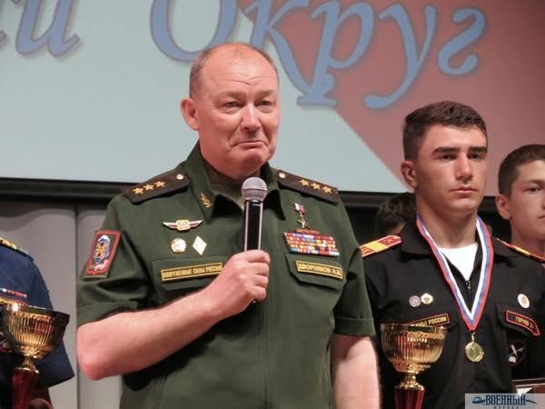 Командующий ЮВО Дворниковс победителями