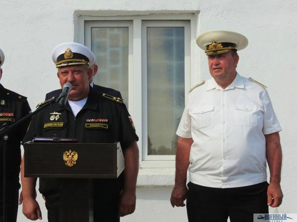 Павел Ясницкий и последний командир 5 й ОПЭСК адмирал Юрий Сысуев