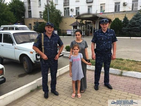 Старшина Багир Мусаев и старший сержант Мурад Меджидов