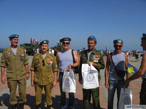 Подполковник Третьяков поздравил именинников
