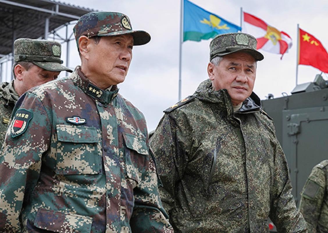 Министры обороны России и Китая