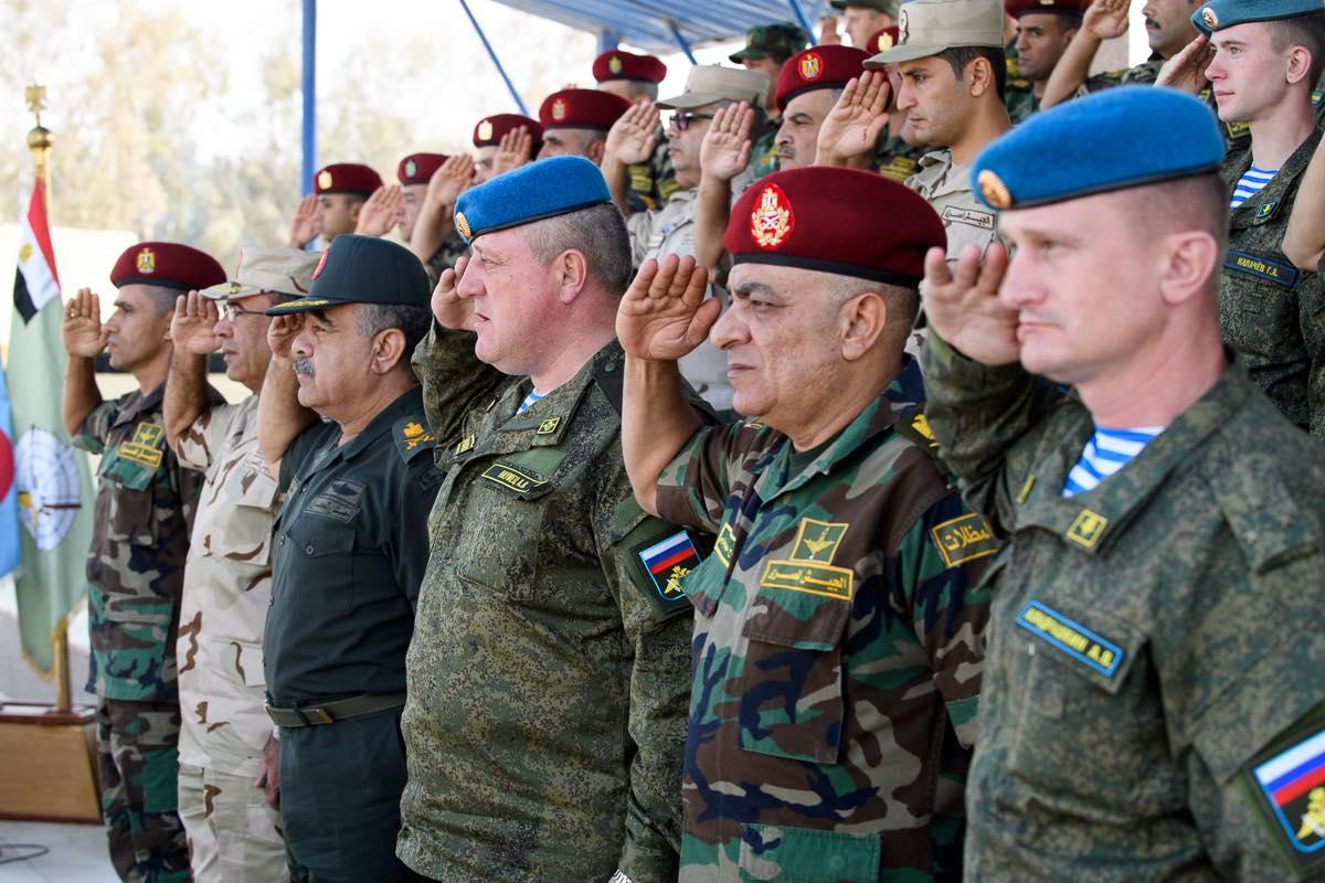 Российские десантники прибыли в Египет